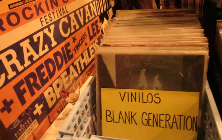 stand Vinilos Blank Generation
