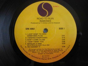roadtoruin-ramones-label